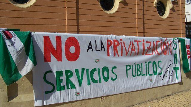 Por la recuperación de los servicios privatizados